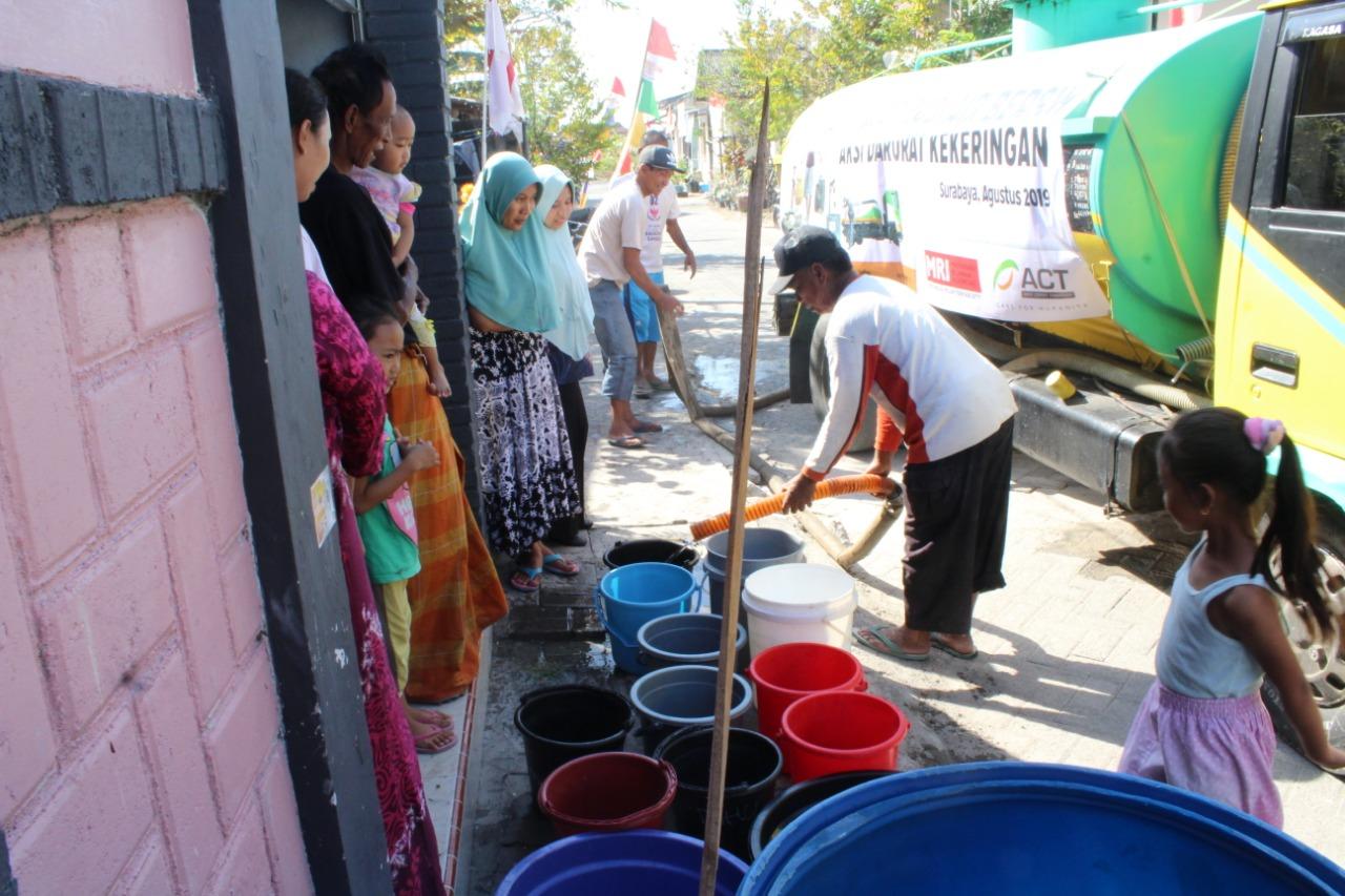 onvoi Humanity Water Tank, ACT Jatim Salurkan 1 Juta Liter Air Bersih